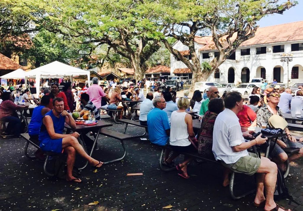 Galle crowd event 1